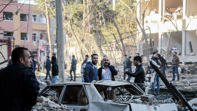 A strong  blast hits the southeastern Turkish city of Diyarbakir