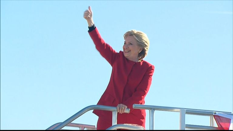 Hillary Clinton gives thumbs up
