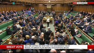 Commons votes to back Article 50 vote by March 2017