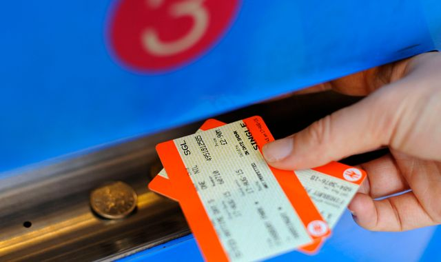 Rail price shake-up could end peak fares and split ticketing