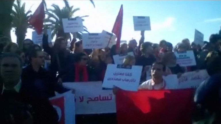 Anti-extremism protesters outside the Bardo Museum in Tunis