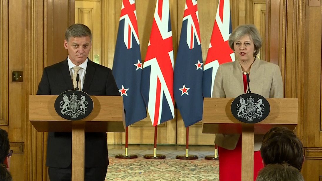 Theresa May and Bill English meet in Downing Street and discuss potential trade deal