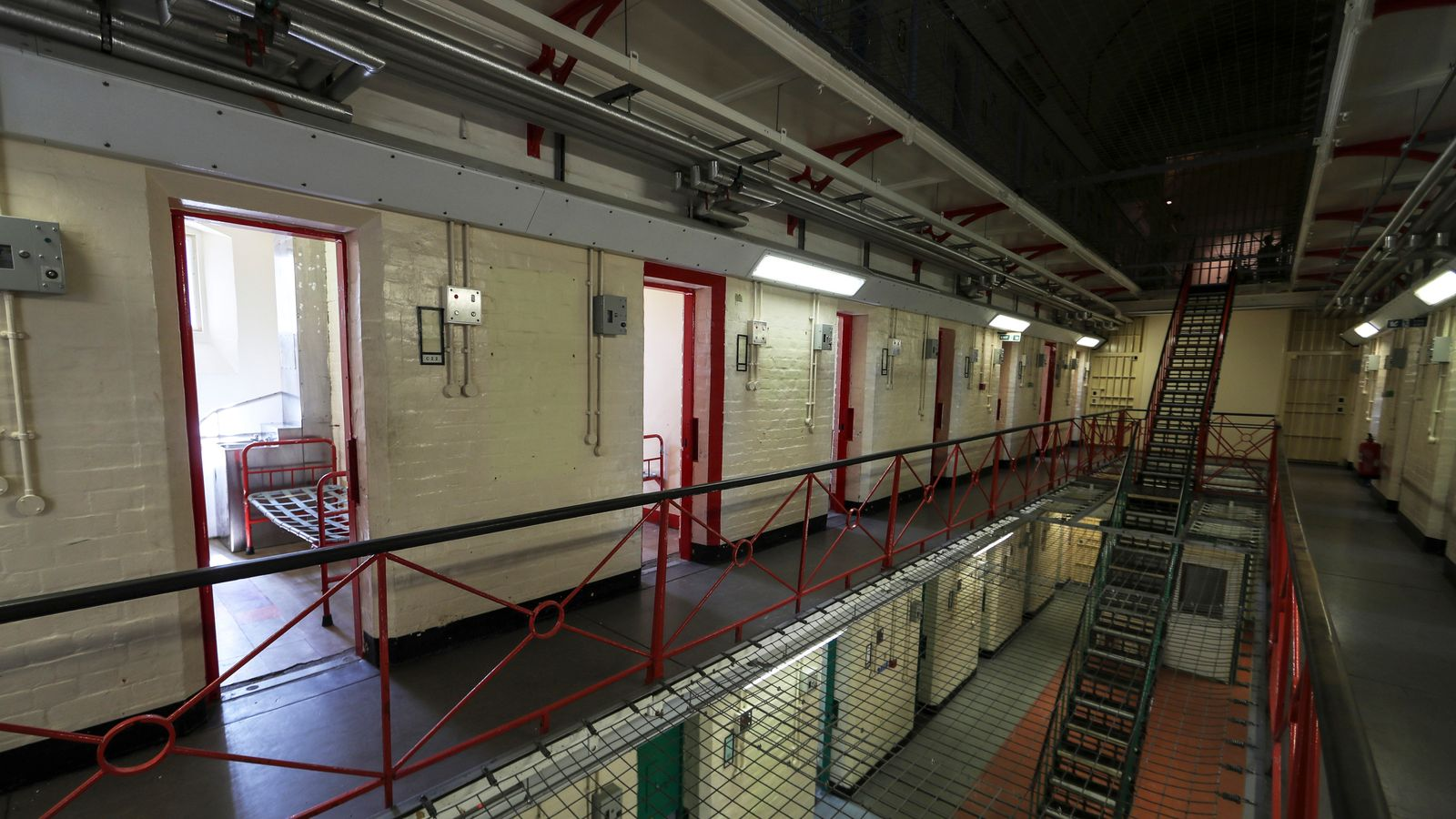 Pay Rise For Guards In Toughest Prisons-2860