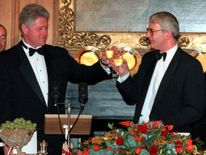 US President Bill Clinton, left, toasts with British Prime Minister John Major at No. 10 Downing Street in 1995