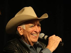 Tommy Allsup worked as both a guitarist and a producer for Willie Nelson