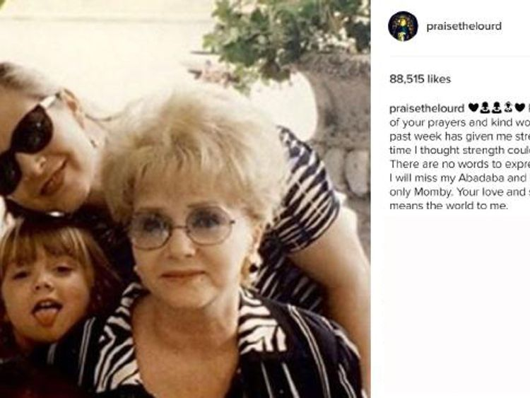 Billie Lourd shared this throwback photo on Instagram. Pic: www.instagram.com/praisethelourd