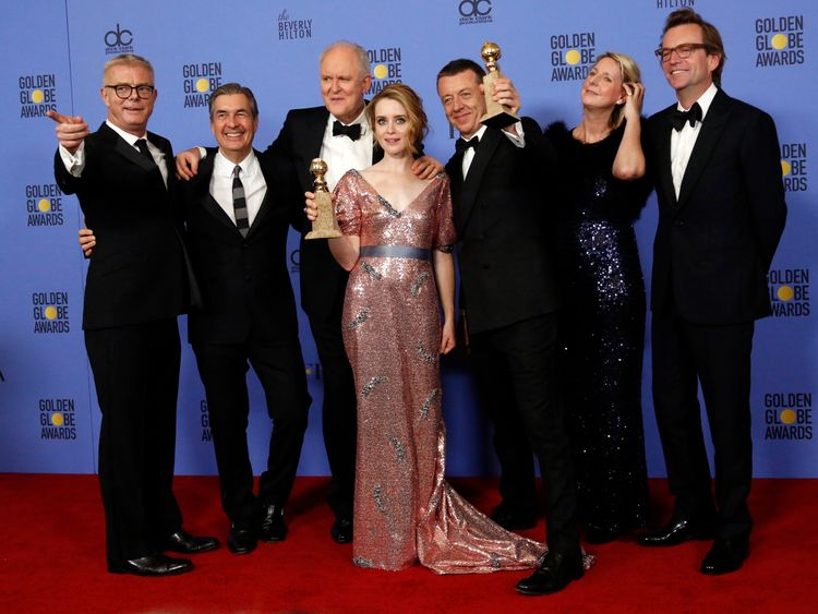 Golden Globes: Show goes on despite scandals