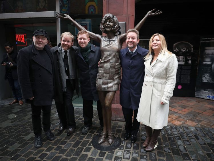 Artists Andy Edwards  and Emma Rodgers with Cilla Black's sons Ben, Jack and Robert Willis