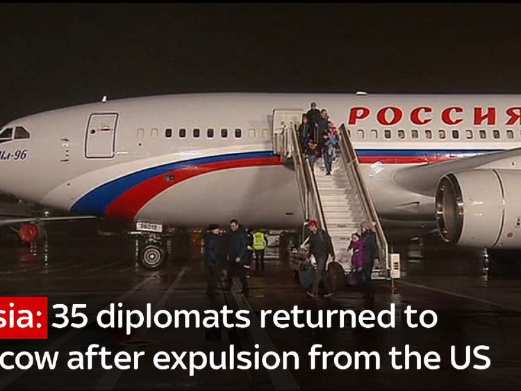 35 Russian diplomats return to Moscow after expulsion from the United States