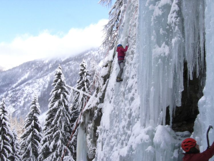 Ice climbing in Le Buet, France