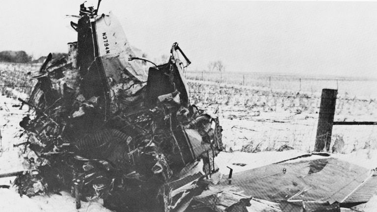 The crashed Beechcraft Bonanza airplane in Iowa, 1959