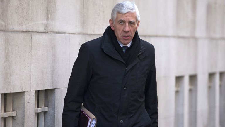 Jack Straw has insisted he acted consistently with his legal duties as Foreign Secretary