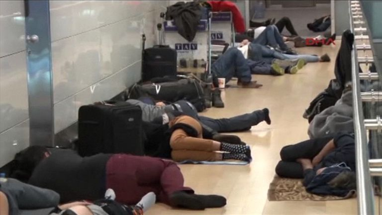 Thousands of passengers slept at Istanbul airport after flights were cancelled
