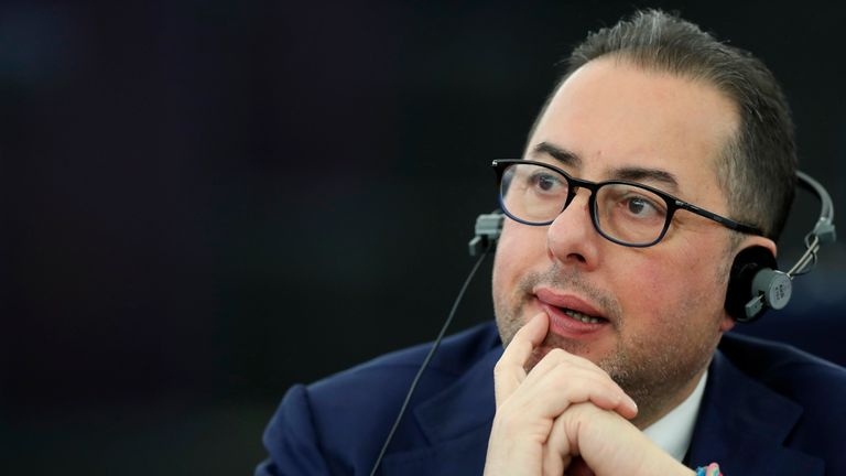 Gianni Pittella says he wants to stimulate genuine debate in the European Parliament if elected