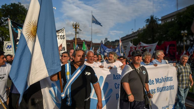 Falklands War veterans demonstrate in Buenos Aires on 3 January