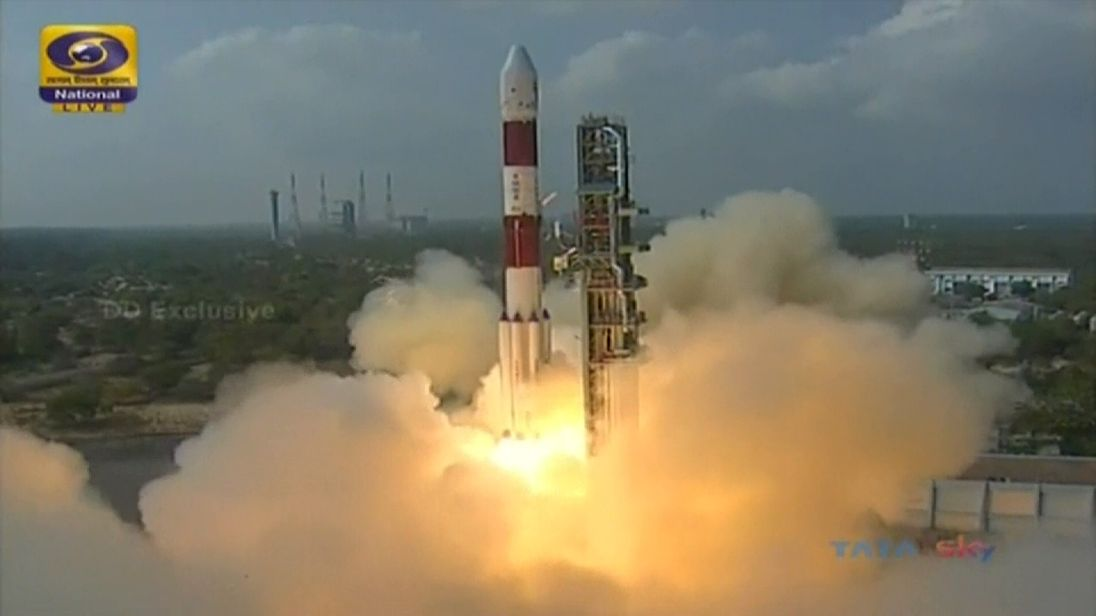 India satellite launch breaks record, sending 104 into space