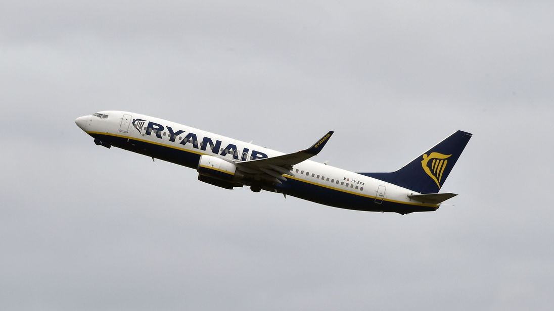 Ryanair offers to meet with union before Wednesday's planned strike action
