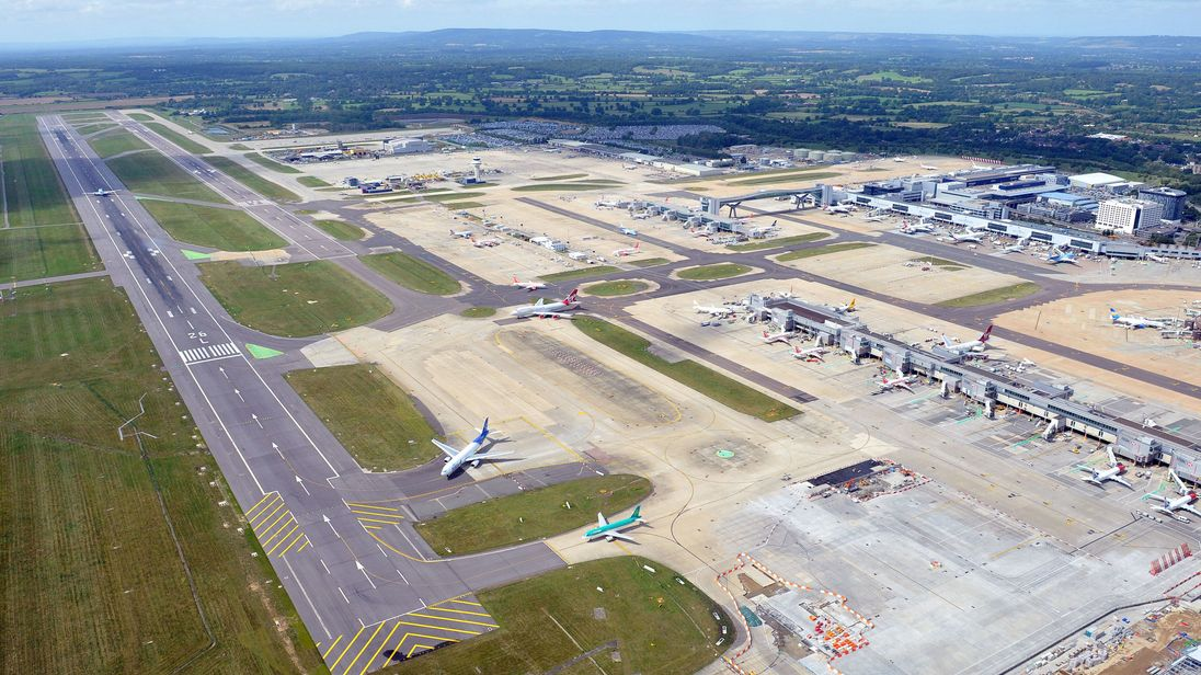 Gatwick sets out plans to use standby runway