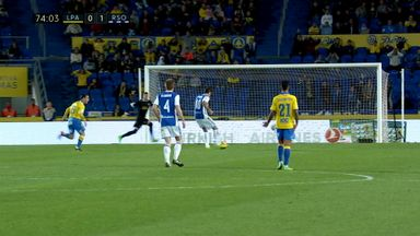 Keeper gifts goal to Sociedad