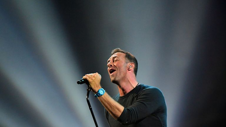 Coldplay's Chris Martin performed a tribute to George Michael