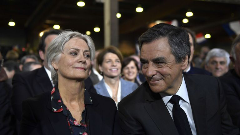 Francois Fillon (R) and his wife Penelope (L) are embroiled in a fake jobs scandal