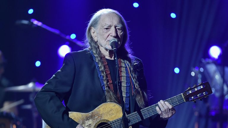 Willie Nelson performing in New York in 2015