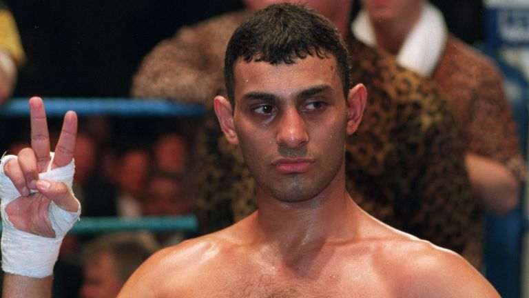 4 MAR 1995:  PRINCE NASEEM HAMED OF GREAT BRITAIN CELEBRATES HIS VICTORY AGAINST SERGIO LIENDO OF PUERTO RICO AFTER A KNOCKOUT IN THE SECOND ROUND OF THEIR
