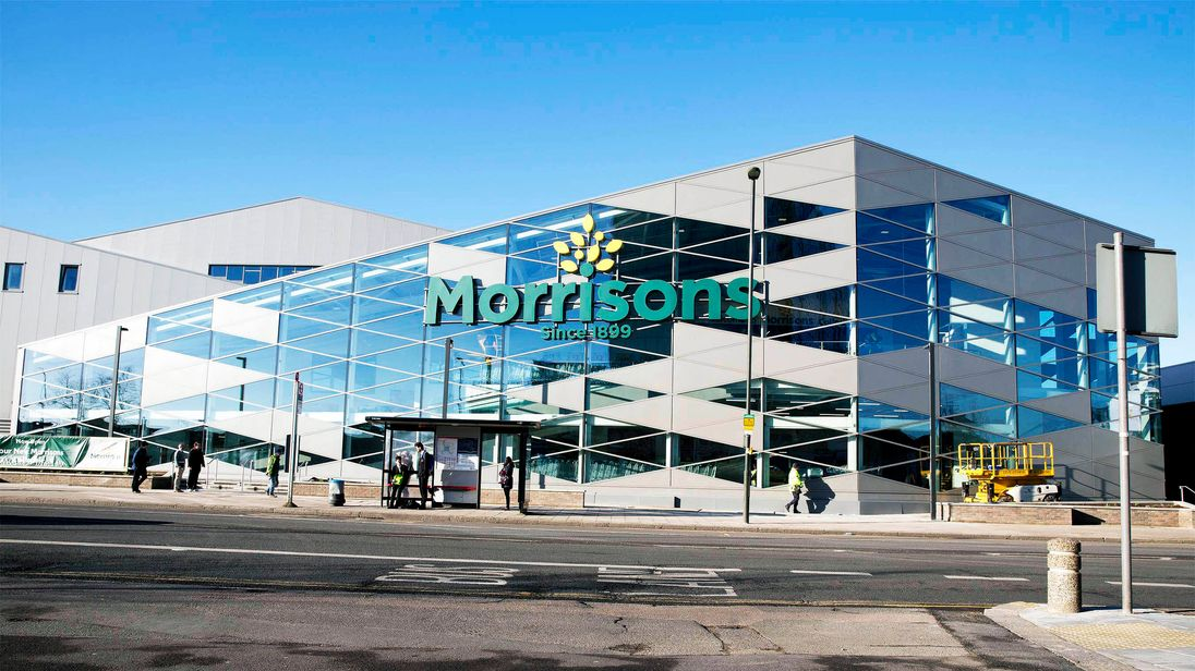 Morrisons concentrates its firepower on large store formats