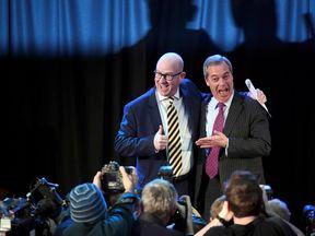 Paul Nuttall (l) and Nigel Farage (r)