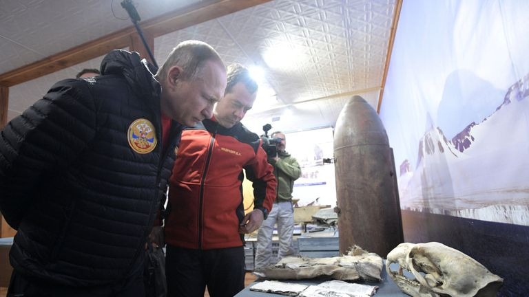 """Russian President Putin and PM Medvedev visit """"Omega"""" field base in Russian Arctic National Park in Alexandra Land"""