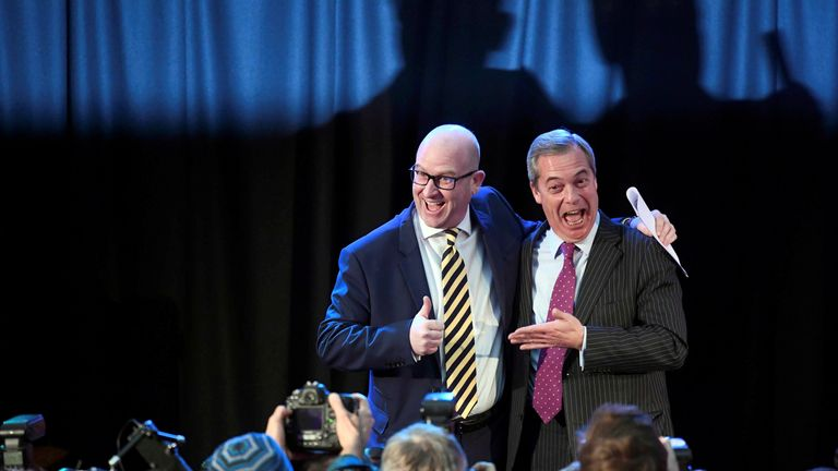 Paul Nuttall (l) and Nigel Farage (r)