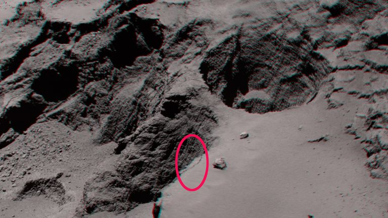 the top of the Aswan cliff plateau in the Seth region of Comet 67P/Churyumov–Gerasimenko, with the fracture that will turn into a landslide circled. Pic: ESA