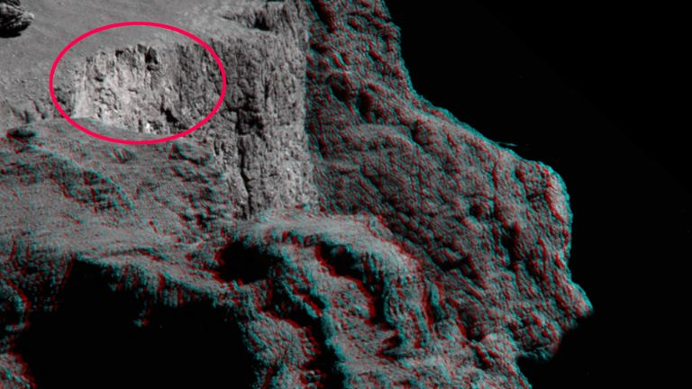 The Aswan cliff and plateau in the Seth region of Comet 67P/Churyumov–Gerasimenko, after a portion of the cliff top fell away on 10 July 2015. Pic: ESA
