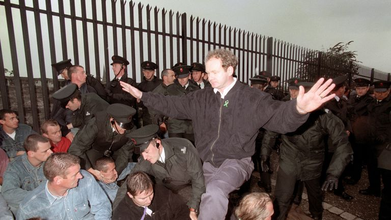 McGuinness appeals to the Nationalists on the walls of Londonderry not to react violently to the RUC as police moved them from the path of the Apprentice Boys march
