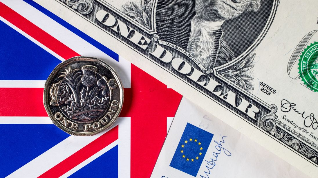 Pound slips by a cent on fears over Brexit divisions