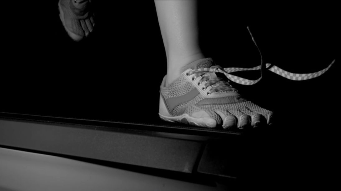 Inertia and impact both help to undo shoelaces