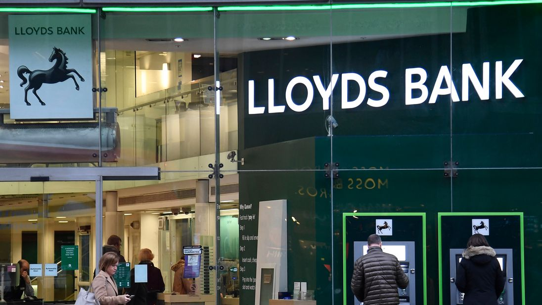Lloyds Banking Group (NYSE:LYG) Receives Media Impact Rating of 0.11