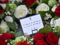 A message on a wreath left by Prince William