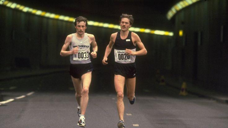 Dick Beardsley (left) and Inge Simonsen (right) lead the first London Marathon