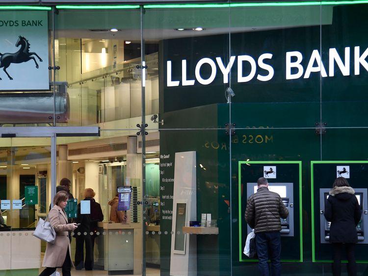 Noel Edmonds gatecrashes Lloyds AGM
