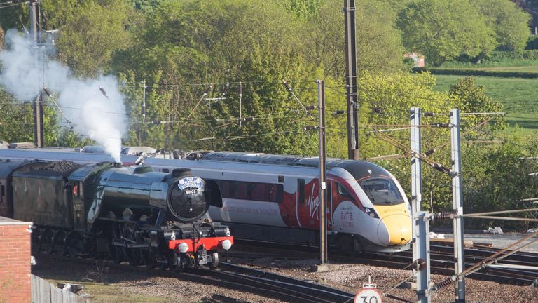 The Flying Scotsman and Virgin Trains' new Azuma arrive at York Station