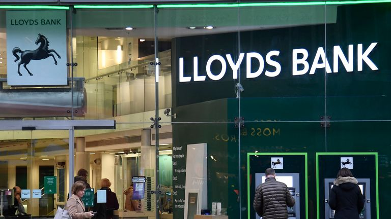 Big Four conflicts leave Lloyds banking on Deloitte as next