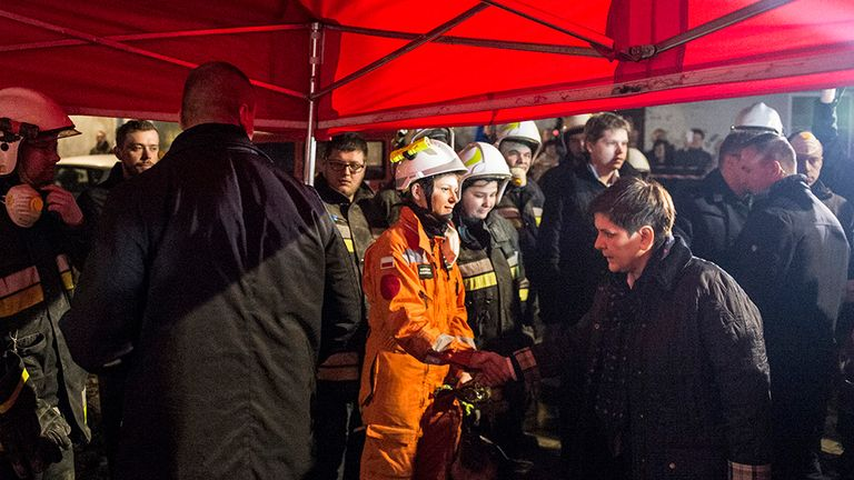 Prime Minister Beata Szydlo met with rescue workers on Saturday night