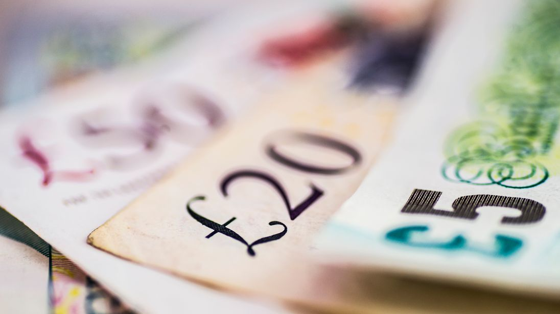 Voluntary living wage above €10 in London
