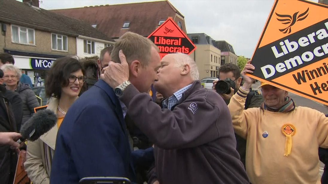 Tim Farron and a leave voter kiss and make up