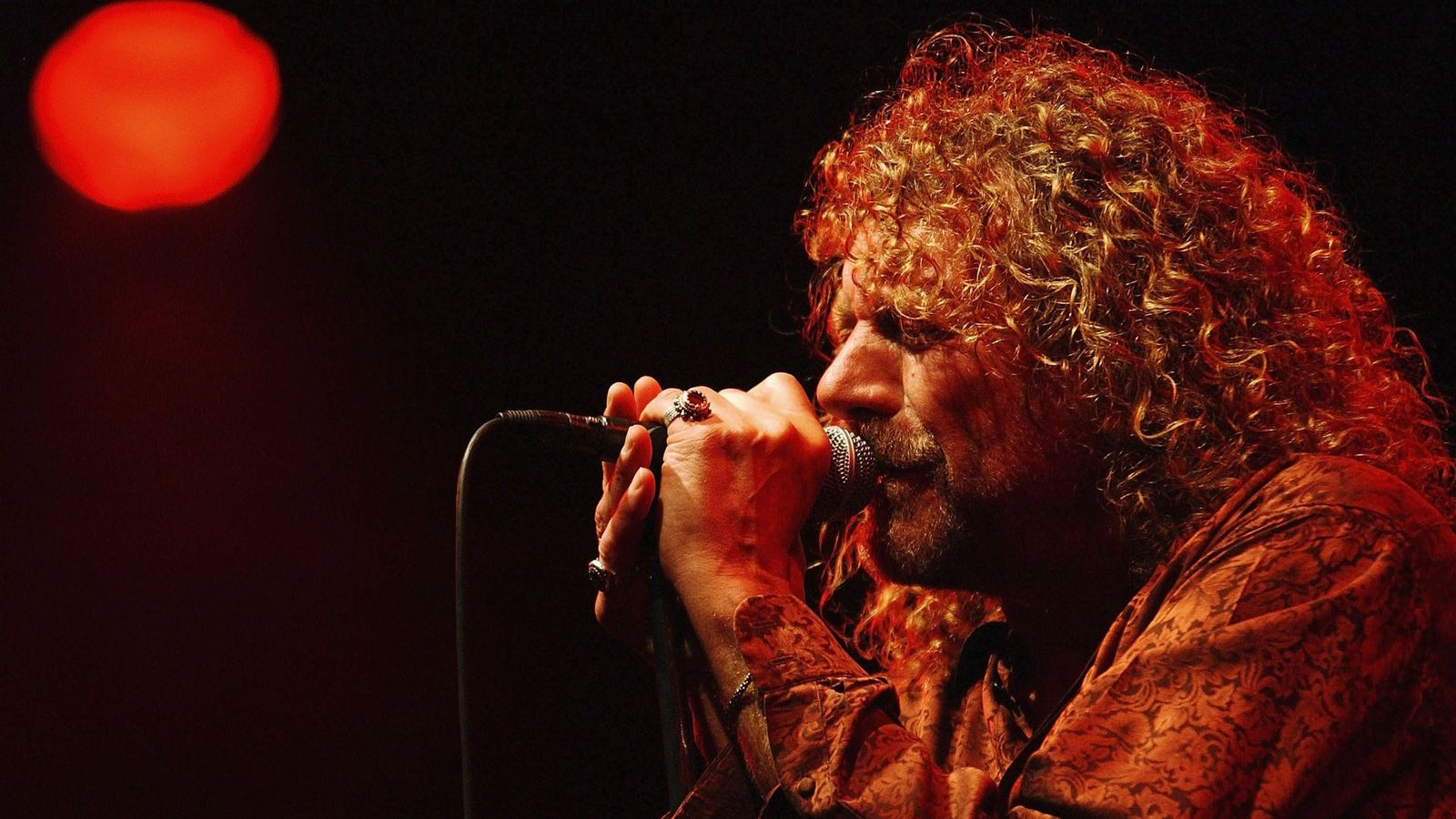 led zeppelin reunion rumours triggered by cryptic robert plant message ents arts news sky news. Black Bedroom Furniture Sets. Home Design Ideas