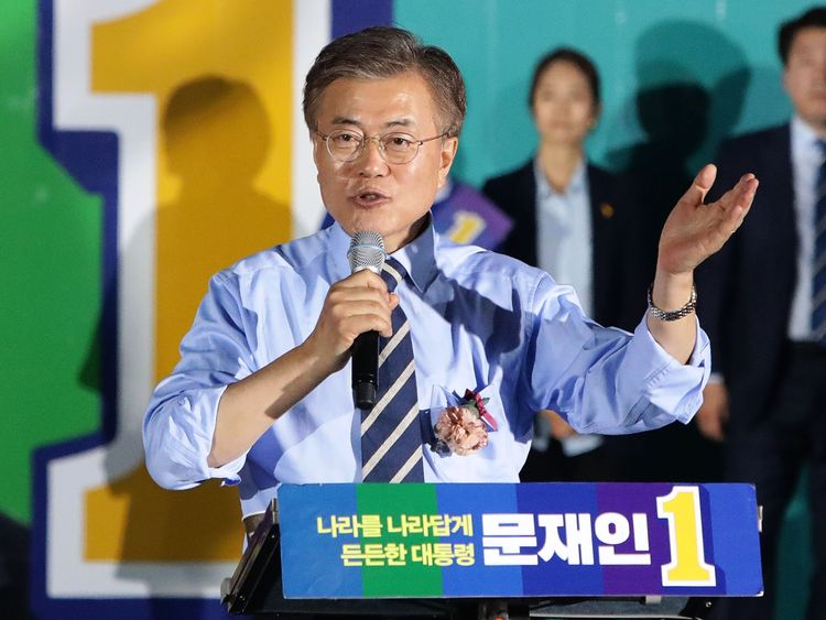 South Korean presidential candidate Moon Jae-in of the Democratic Party of Korea, speech during a presidential election campaign on May 8, 2017 in Seoul, South Korea