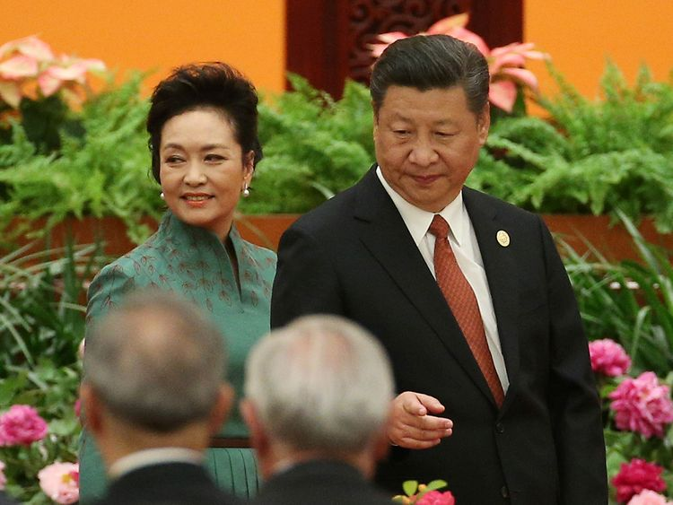 ATE IMPORTED:14 May, 2017Chinese President Xi Jinping and his wife Peng Liyuan arrive for a welcome banquet for the Belt and Road Forum at the Great Hall of the People in Beijing, China May 2017. REUTERS/Wu Hong/Pool