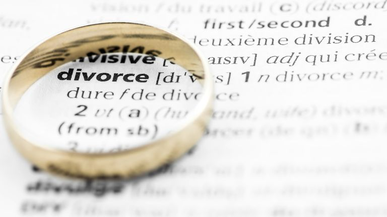 The sum awarded to the wife amounts to 41.5% of the couple's marital assets