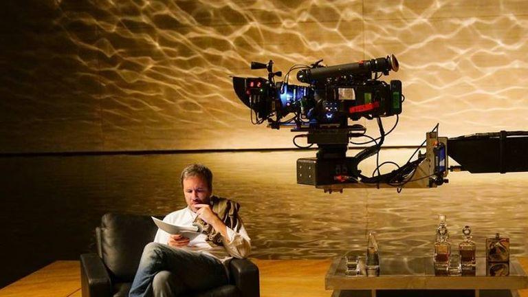 Denis Villeneuve behind the scenes of Blade Runner 2049